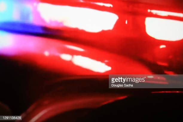patrol car flashing lights for emergency - police vehicle lighting stock pictures, royalty-free photos & images