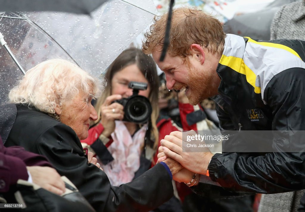 Prince Harry Visits Sydney - Day 1 : News Photo