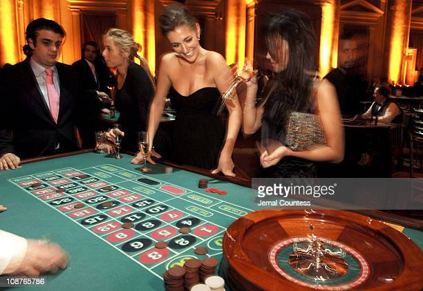 Patrons at the Roulette Table during WIZO Casino Night 2006 at Capitale in New York City New York United States