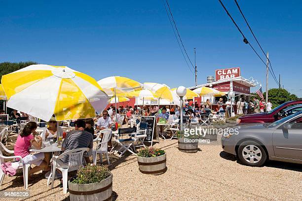 Patrons dine at Clam Bar on the Napeague Stretch in Amagansett, New York, U.S., on Saturday, Aug. 9, 2008. Clam Bar is located at 13595 Montauk...