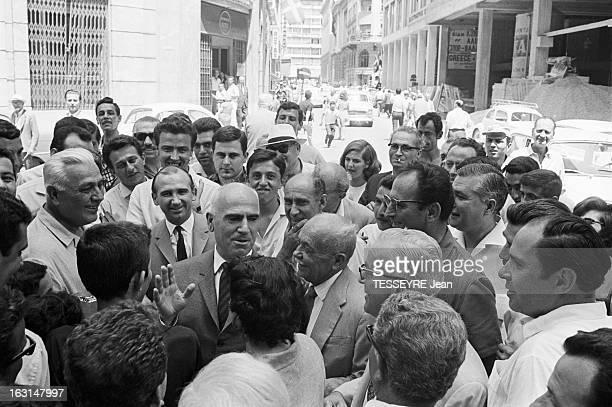 Pattakos Greek Minister Of The Interior En Grèce en juin 1967 Stylianos PATTAKOS ministre grec de l'Intérieur marchant dans la rue au centre...