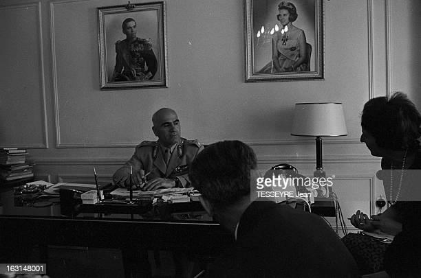 Pattakos Greek Minister Of The Interior En Grèce en juin 1967 Stylianos PATTAKOS ministre grec de l'Intérieur dans son bureau à Athènes vêtu de son...