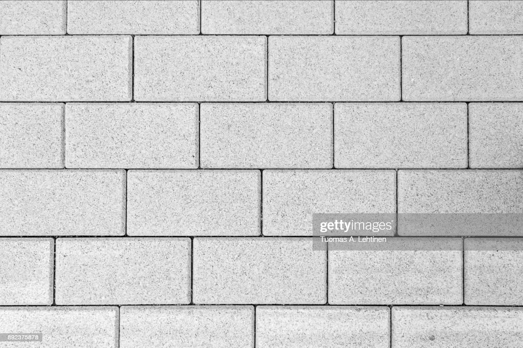 Pattern of paving blocks viewed from above in black and white. : Foto de stock