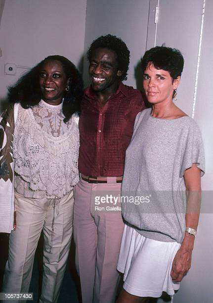 Patti LaBelle Al Green and Ali MacGraw during Backstage of 'You're Arms Are Too Short To Box With God' at Alvin Theater in New York City New York...