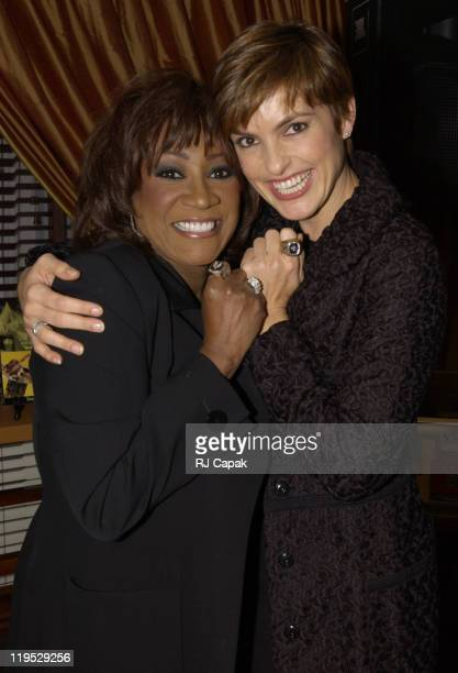 Patti LaBelle Mariska Hargitay showing off Rusty Staub's World Series Rings