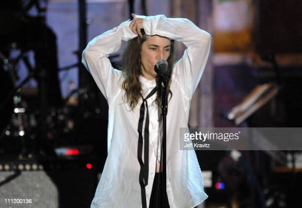 Patti Smith inductee performs 'Gimme Shelter/Because the Night/Rock 'n' Roll N#@'