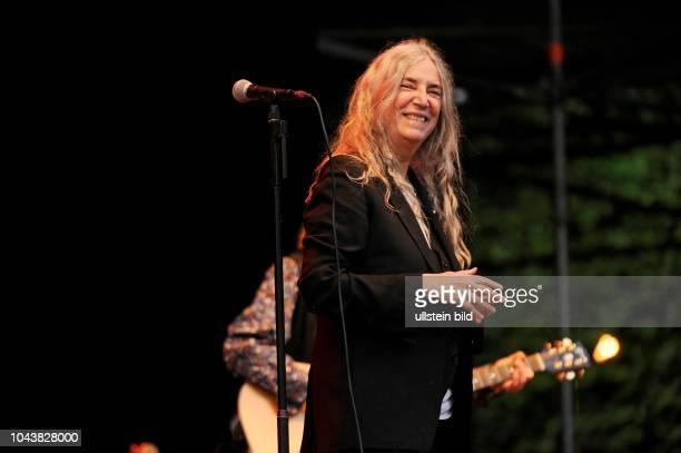 Patti Smith, Patti Lee Smith - die amerikanische Punk- und Rockmusikerin, Singer-Songwriterin, Fotografin, Malerin und Lyrikerin sowie Godmother of...