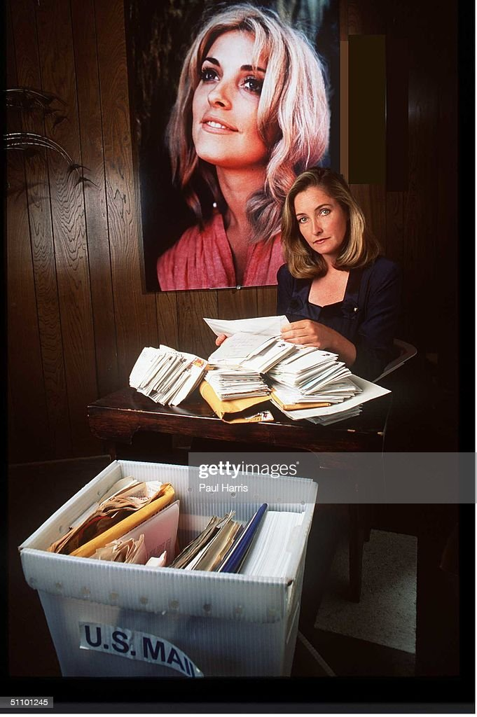 Patty Tate Sister Of Slain Actress Sharon Tate Opens Mail From Her Family Appeal To Keep Manson And His Followers In Prison-