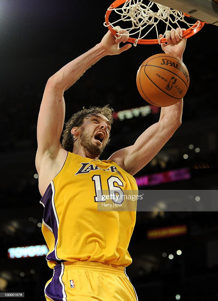 Pau Gasol #16 of the Los Angeles Lakers dunks the ball against the Phoenix Suns in Game Two of the Western Conference Finals during the 2010 NBA Playoffs at Staples Center on May 19, 2010 in Los Angeles, California.
