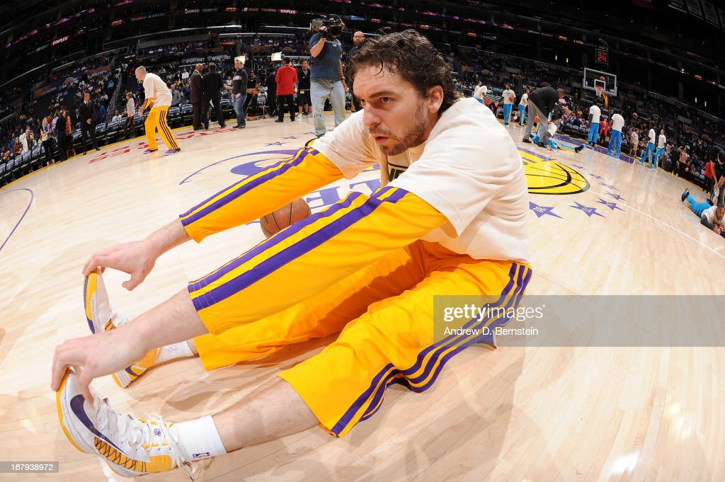 Pau Gasol #16 of the Los Angeles Lakers gets ready against the New Orleans Hornets at Staples Center on April 9, 2013 in Los Angeles, California.
