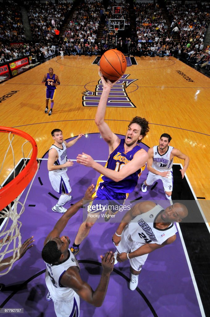 Pau Gasol #16 of the Los Angeles Lakers gets to the basket against the Sacramento Kings on March 16, 2010 at ARCO Arena in Sacramento, California.