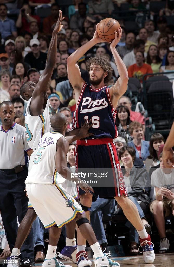 Memphis Grizzlies v New Orleans/Oklahoma City Hornets : News Photo