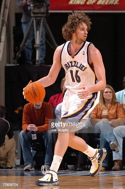 Pau Gasol of the Memphis Grizzlies moves the ball against the Milwaukee Bucks on December 27, 2006 at FedExForum in Memphis, Tennessee. The Bucks won...