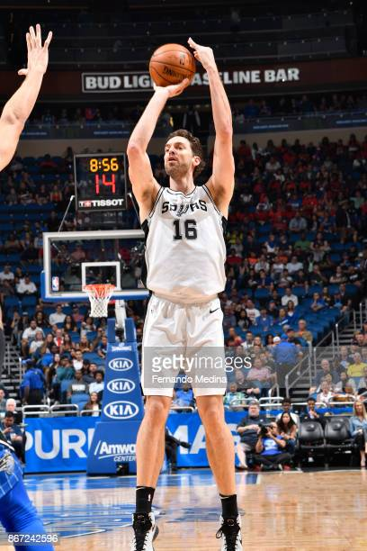 Pau Gasol of the San Antonio Spurs shoots the ball against the Orlando Magic on October 27, 2017 at Amway Center in Orlando, Florida. NOTE TO USER:...