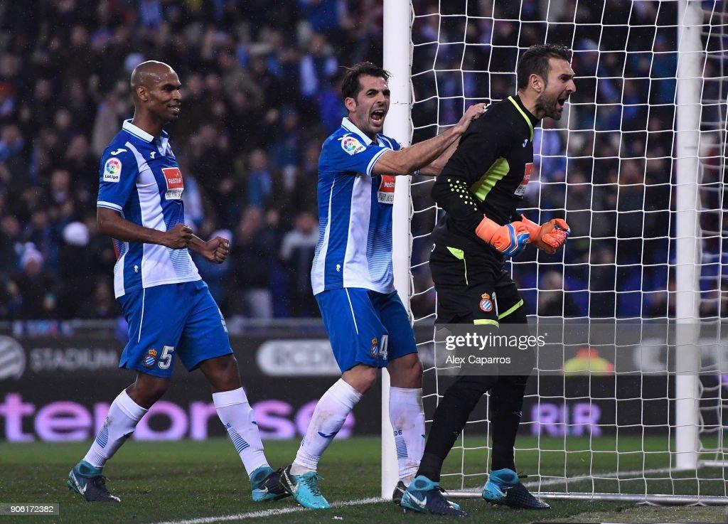 Espanyol v Barcelona - Spanish Copa del Rey : News Photo