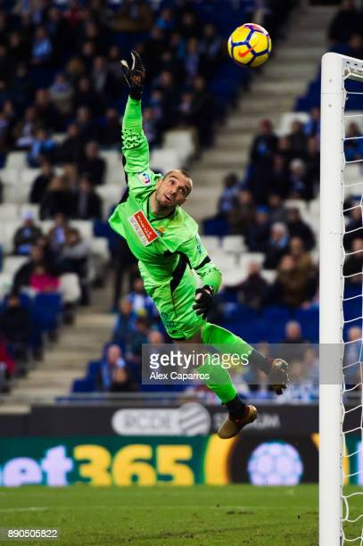 Pau Lopez of RCD Espanyol flies for the ball during the La Liga match between RCD Espanyol and Girona FC at RCDE Stadium on December 11 2017 in...