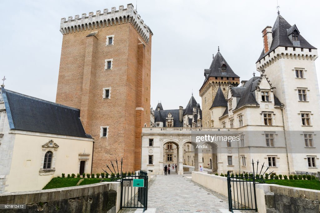 Pau, the castle. : News Photo