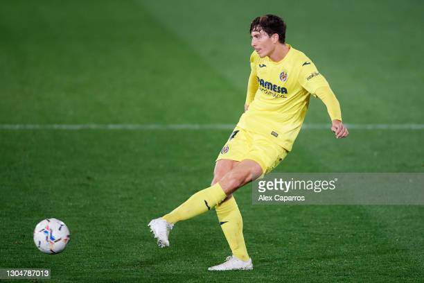 Pau Torres of Villarreal CF plays the ball during the La Liga Santander match between Villarreal CF and Atletico de Madrid at Estadio de la Ceramica...