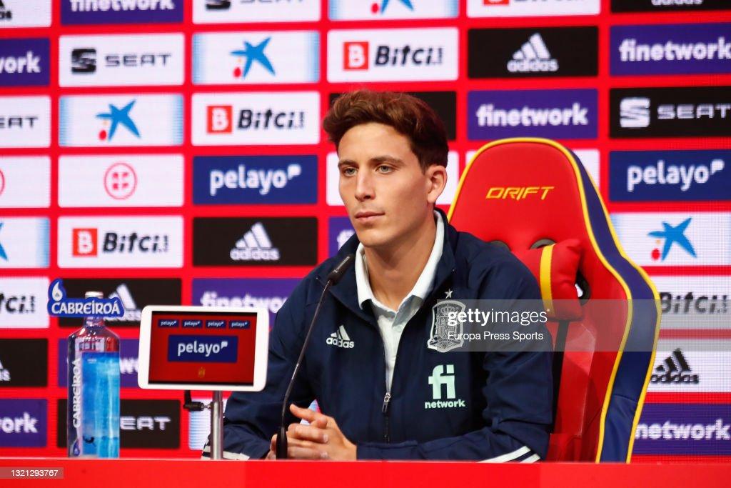 Pau Torres - SPAIN Press Conference : News Photo