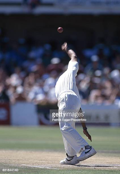 Paul Adams bowling for South Africa during the 4th Test match between South Africa and England at St George's Park Port Elizabeth South Africa 28th...