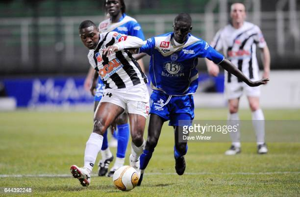 Paul ALO'O EFOULOU / Chefir Ousmane SARR Troyes / Angers 27e journee Ligue 2 Photo Dave Winter / Icon Sport