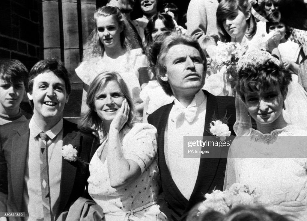 Paul And Linda McCartney L On The Steps Of St Barnabas Church In