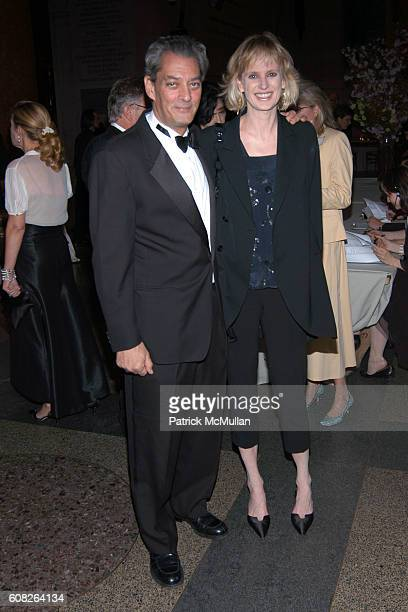 Paul Auster and Siri Hustvedt attend The PEN American Center's 2007 Literary Gala at American Museum of Natural History on April 30 2007 in New York...