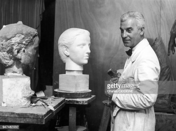 Paul Belmondo French sculptor