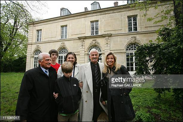 Paul Belmondo Museum Project Start in Paris France on November 22nd 2007 French actor Jean Paul Belmondo his wife Natty his brother Alain and sister...