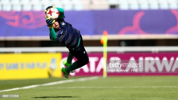 Paul Bernardoni of France warms up before the FIFA U20 World Cup Korea Republic 2017 group E match between France and Vietnam at Cheonan Baekseok...