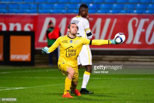 Paul BERNARDONI / Sehrou GUIRASSY Troyes / Lille 14eme journee de Ligue 1 Photo Dave Winter / Icon Sport