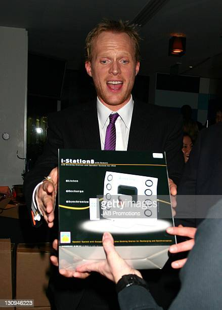 Paul Bettany backstage in the Sultans of Swag Gift Lounge at the 2006 British Comedy Awards
