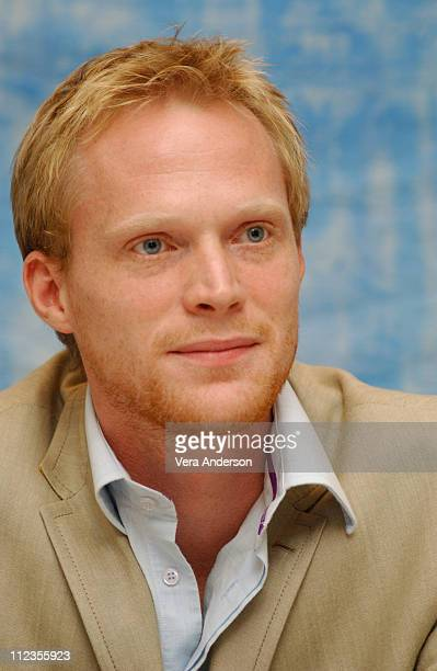 Paul Bettany during Master and Commander The Far Side of the World Press Conference with Russell Crowe Peter Weir Paul Bettany and Max Perkis at...