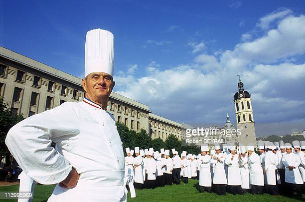 Paul Bocuse and 600 chefs from all parts of the world In Lyon France On May 28 1996Paul Bocuse