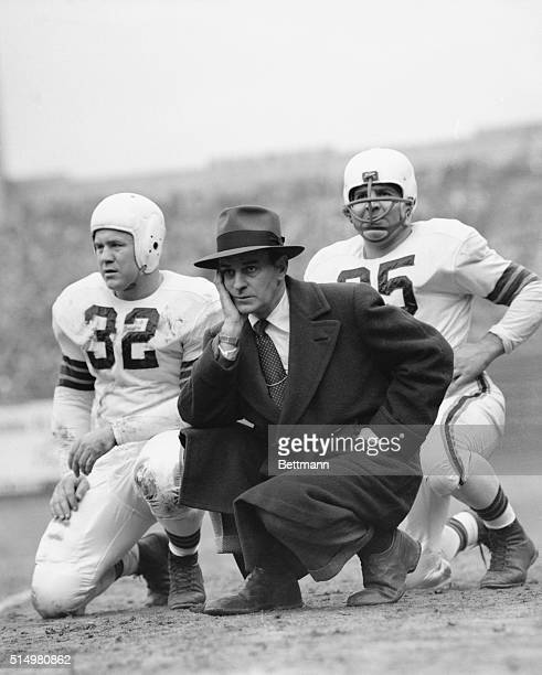Paul Brown, Cleveland's pro coach with players.