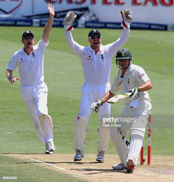 Paul Collingwood and Matthew Prior of England appeal for the wicket of AB de Villiers of South Africa which the 3rd umpire turned down during day 3...
