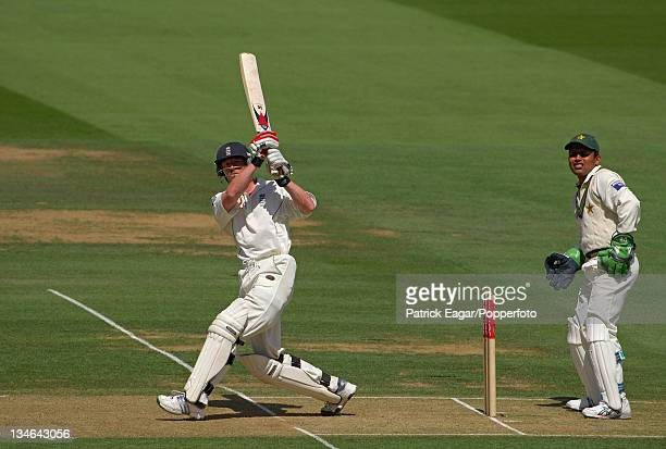 Paul Collingwood hits Shahid Alfridi for 4 during his 186 England v Pakistan 1st Test Lord's Jul 06