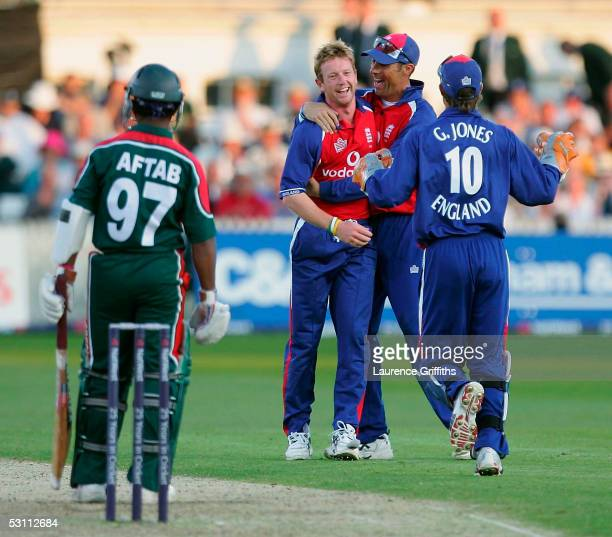 Paul Collingwood of England celebrates the wicket of Aftab Ahmed of Bangladesh during the NatWest Series One Day International match between England...
