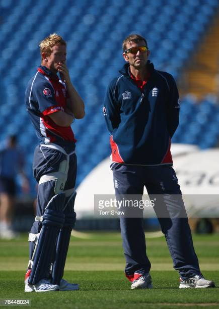 Paul Collingwood of England has a chat with psychologist Steve Bull during the England nets session at Headingley on September 1 2007 in Leeds England