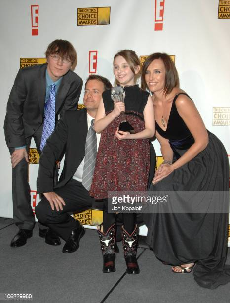 "Paul Dano, Greg Kinnear, Abigail Breslin , winner of Best Young Actress for ""Little Miss Sunshine,"" and Toni Collette"