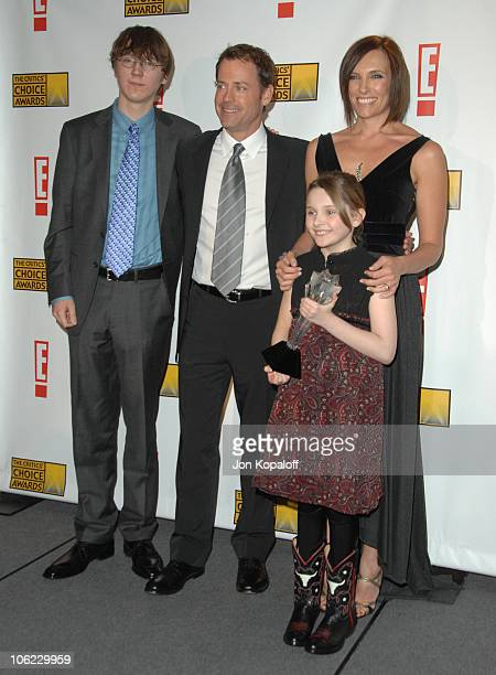 "Paul Dano, Greg Kinnear, Toni Collette and Abigail Breslin winner of Best Young Actress for ""Little Miss Sunshine"