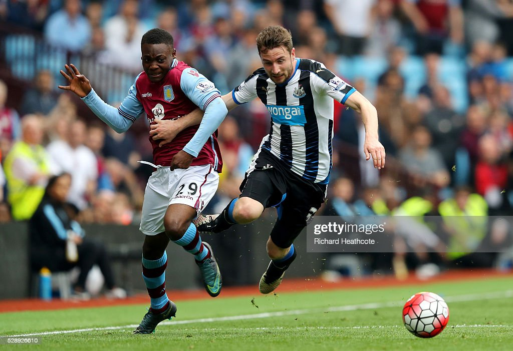 Aston Villa v Newcastle United - Premier League : News Photo
