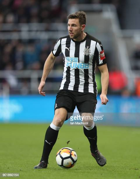 Paul Dummett of Newcastle United controls the ball during the Emirates FA Cup third round match between Newcastle United and Luton Town at St James'...