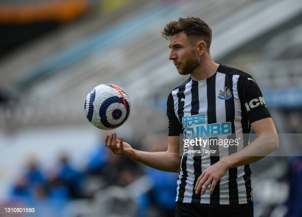 Paul Dummett of Newcastle United FC juggles the ball in the air during the Premier League match between Newcastle United and Tottenham Hotspur at St....