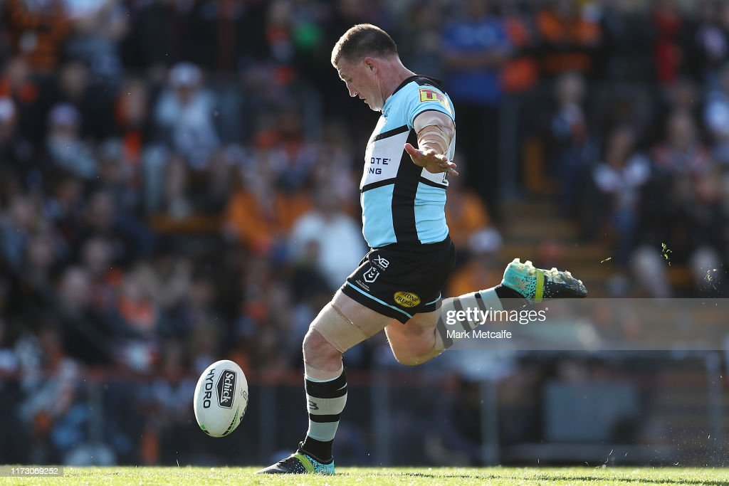 NRL Rd 25 - Tigers v Sharks : News Photo