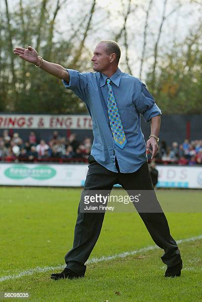 Paul Gascoigne the Kettering manager gives instructions during the FA Cup 1st Round match between Kettering Town and Stevenage at Rockingham Road on...