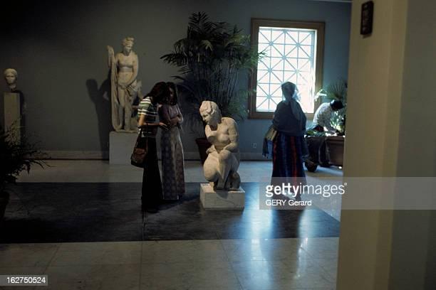 Paul Getty Museum In California Californie Malibu février 1974 Le 'JPaul GETTY Museum' Reconstitution de la villa des Papyri d'Herculaneum dans sa...