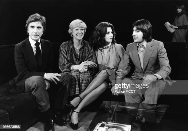 Paul Giannoli Alice Dona Sophia Loren et Serge Lama lors d'une émission de télévision le 4 avril 1979 à paris France