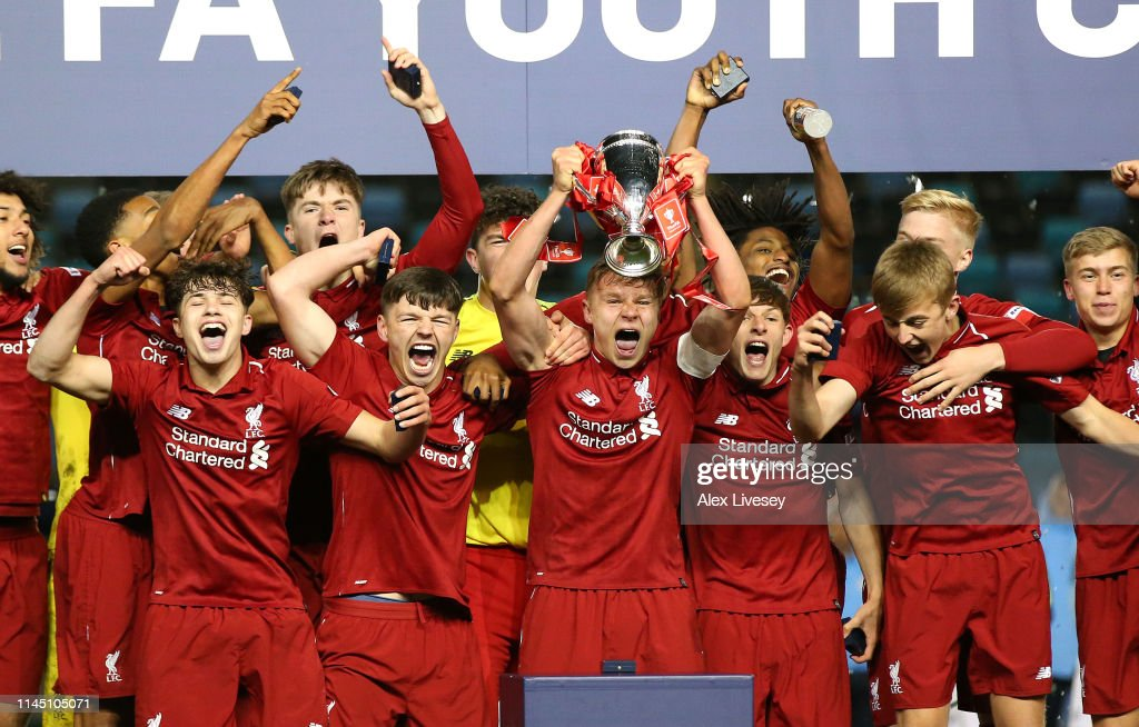 Manchester City v Liverpool - FA Youth Cup Final : Nachrichtenfoto