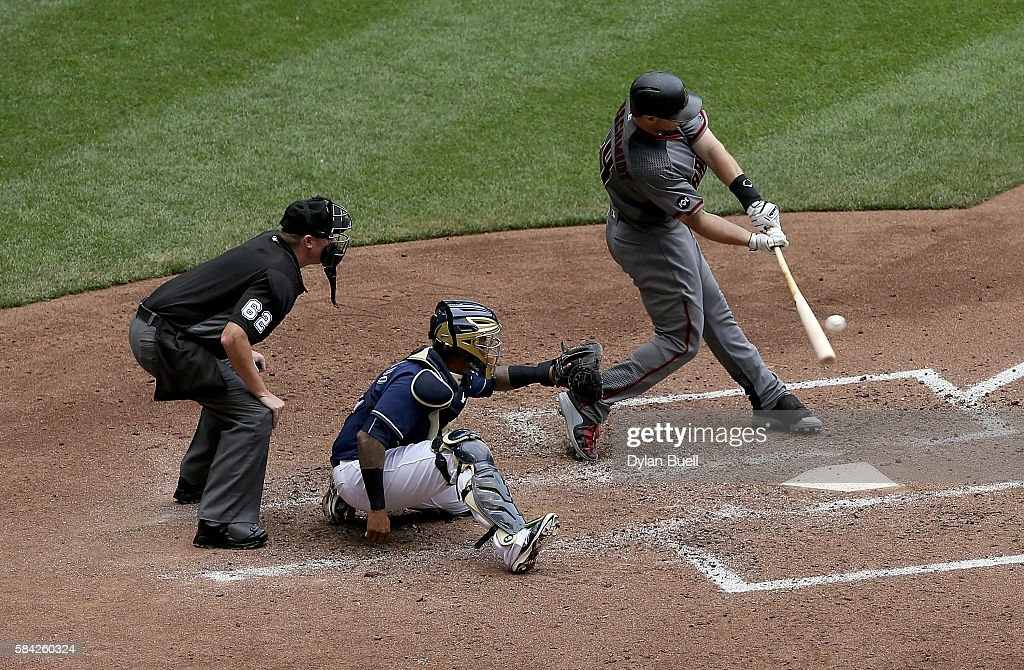 Paul Goldschmidt #44 of the Arizona Diamondbacks hits a single in the sixth inning against the Milwaukee Brewers at Miller Park on July 28, 2016 in Milwaukee, Wisconsin.